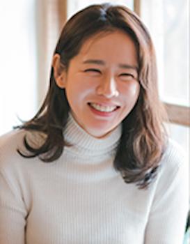 ソン・イェジン / 役:ユン・ジナ