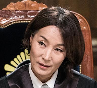 イ・ヘヨン / 役:チャ・ムンスク