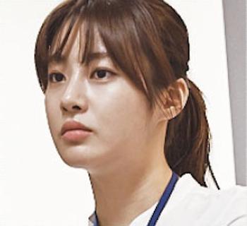 カン・ソラ / 役:アン・ヨンイ