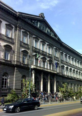 ナポリ大学