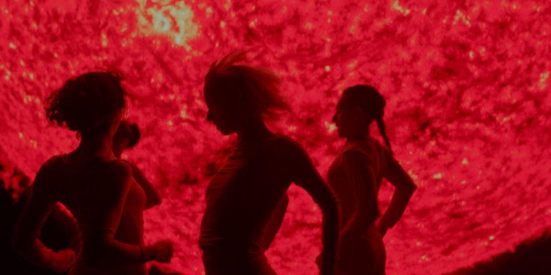 『エマ、愛の罠』パブロ・ラライン自らディレクションし、オリジナルverで撮影されたミュージックビデオ映像を解禁