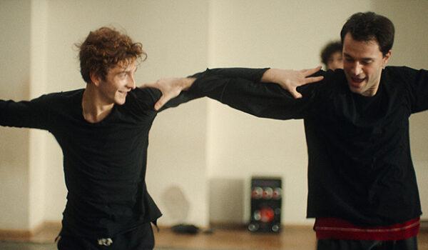 『ダンサー そして私たちは踊った』