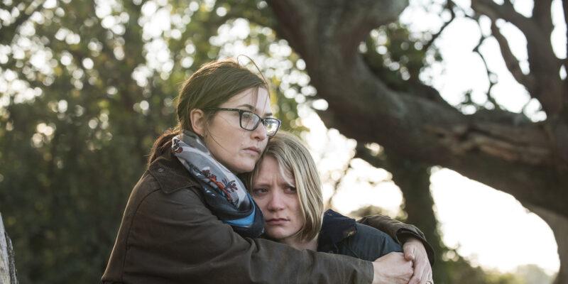 映画『ブラックバード』ケイト・ウィンスレットとミア・ワシコウスカ、姉妹で母の死をめぐって言い争う!本編映像解禁!