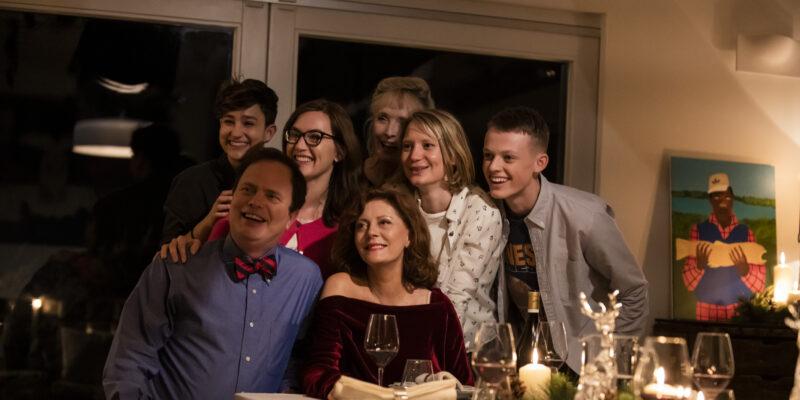 """映画『ブラックバード』スーザン・サランドンが安楽死の決意を語る本編映像解禁!死の前日に開かれた""""最後の晩餐会"""""""